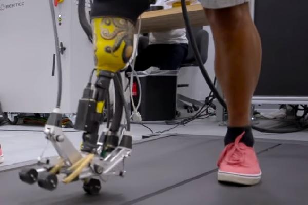 Engenheiros desenvolvem pé protético mais estável e eficiente