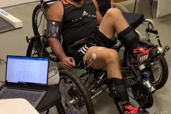 UFMG integra projeto que desenvolve triciclo adaptável para reabilitação muscular